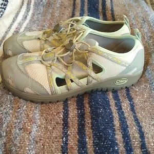 Chaco Outcross water shoes size US 3